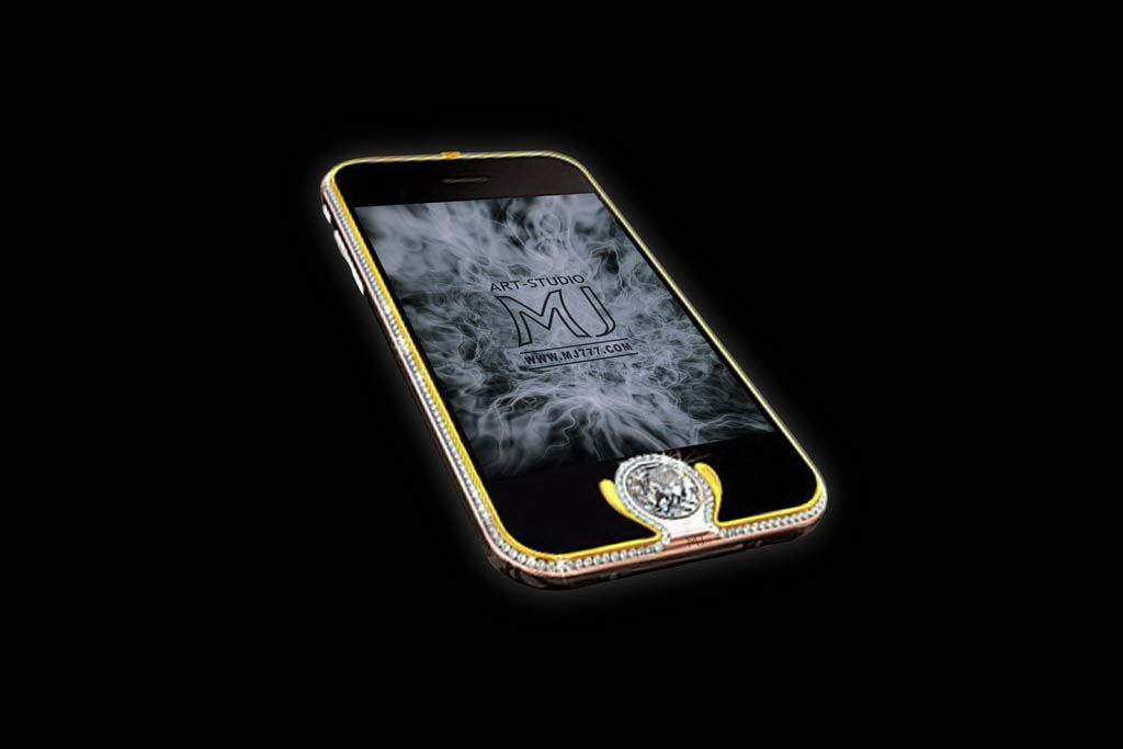 Apple iPhone 3GS Diamond Gold - Extreme Luxury Gold Mobile Phone - Carbon Case Decorated Pure Gold & Platinum. Inlaid Diamonds