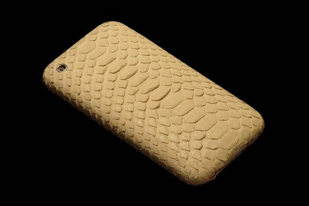 Apple iPhone Exotic Leather Unique VIP Phone - White Milk Snake Skin Mat Wild